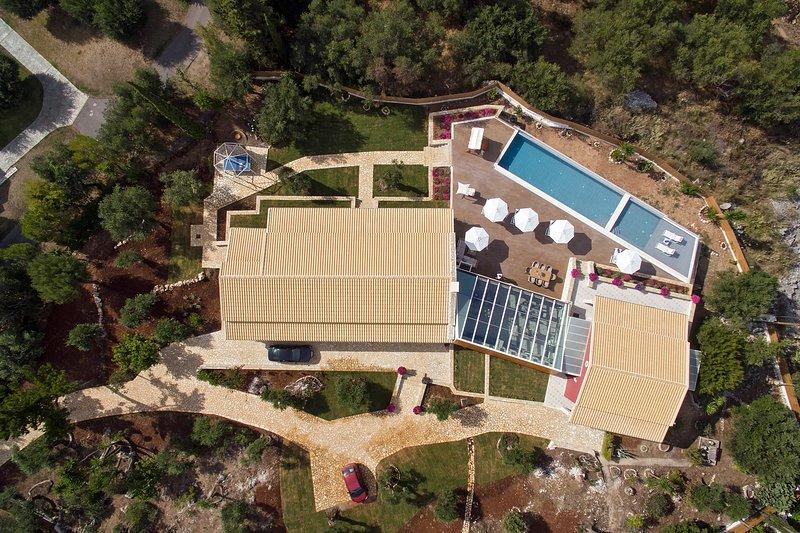 Luxury Villa Aphrodite, location de vacances à Peroulion