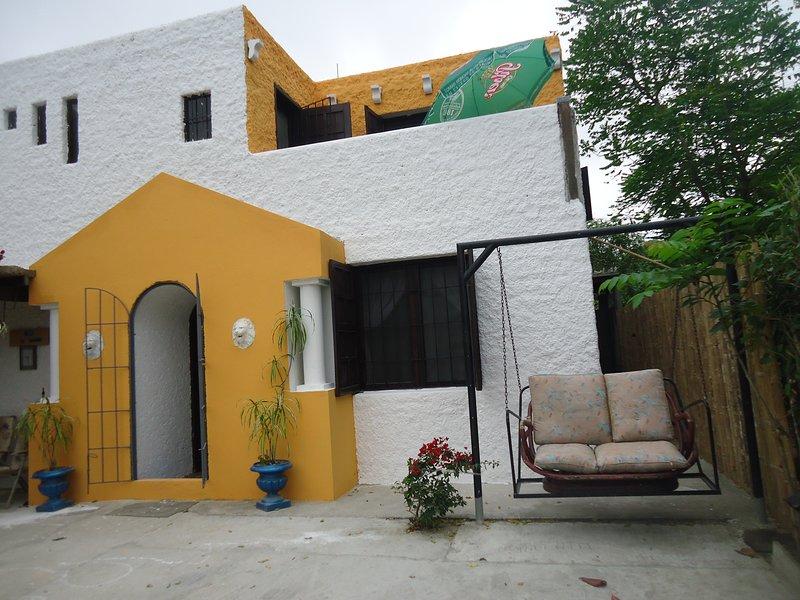 VILLA 'EL ENSUEÑO' DISFRUTA DE UN PEQUEÑO PARAISO JUNTO AL MAR, holiday rental in Esmeraldas Province