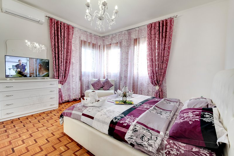 Zen Residence Venezia - Triple Room -, holiday rental in Marghera