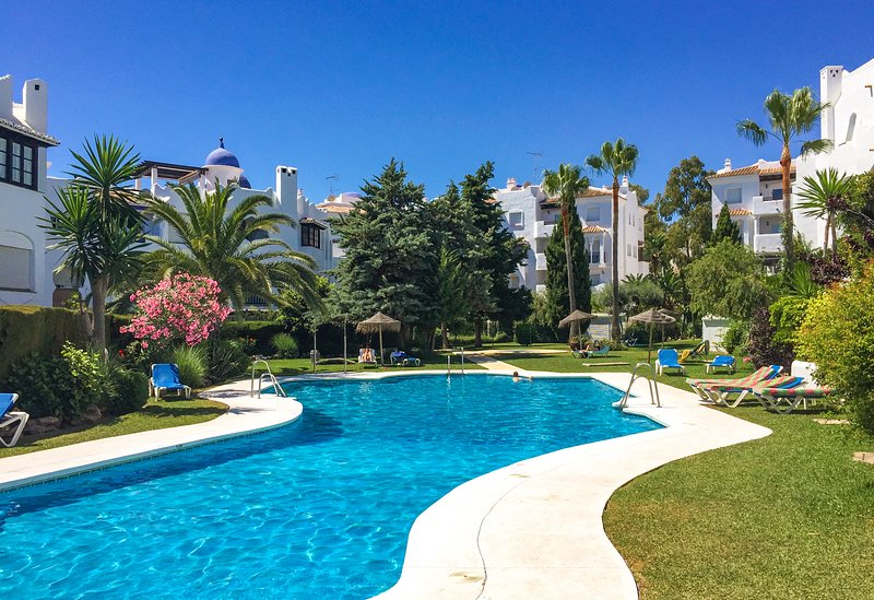 Mijas Costa - Close to the beach and to amenities., vacation rental in Sitio de Calahonda