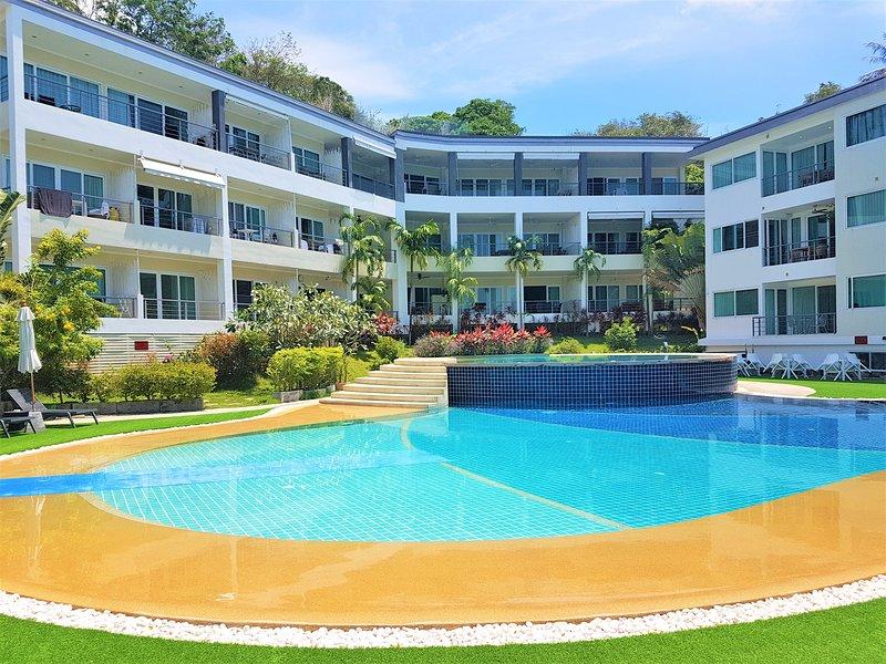 KB Apartments Karon Beach 2 by PHR – semesterbostad i Karon Beach