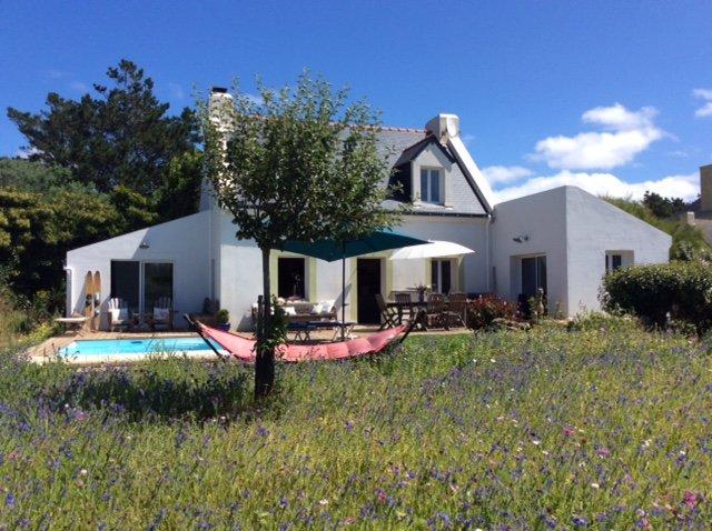 Nice villa with swimming-pool, location de vacances à Belle-Ile-en-Mer