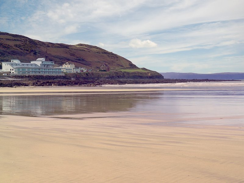 Apartment located in popular Westward Ho!