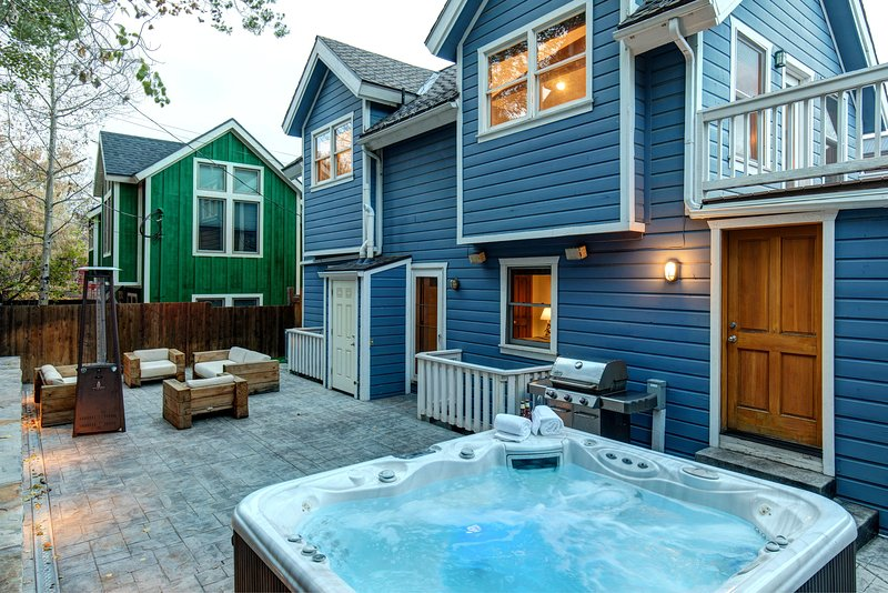 Private Outdoor Patio with Lounge Seating, Outdoor Heaters & Hot Tub!