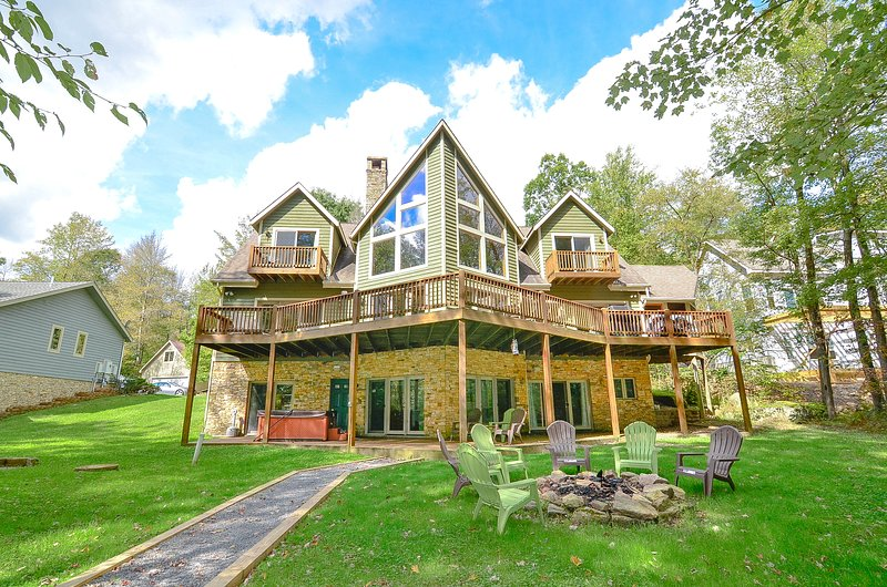 Waterfront Chateau, vacation rental in Reedsville