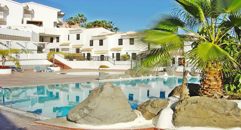 Casa Dos Angeles - In the sunny south of Tenerife, disinfected latest guideline, holiday rental in Chayofa