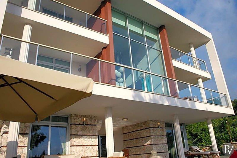 Islamlar Villa Sleeps 10 with Pool and Air Con - 5683507, holiday rental in Islamlar