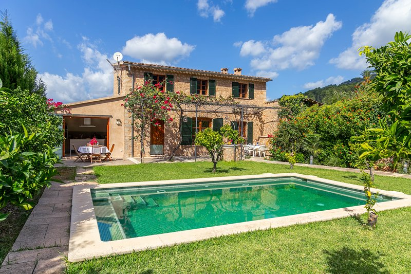 Beautiful Mallorcan Villa with pool in Soller, holiday rental in Soller