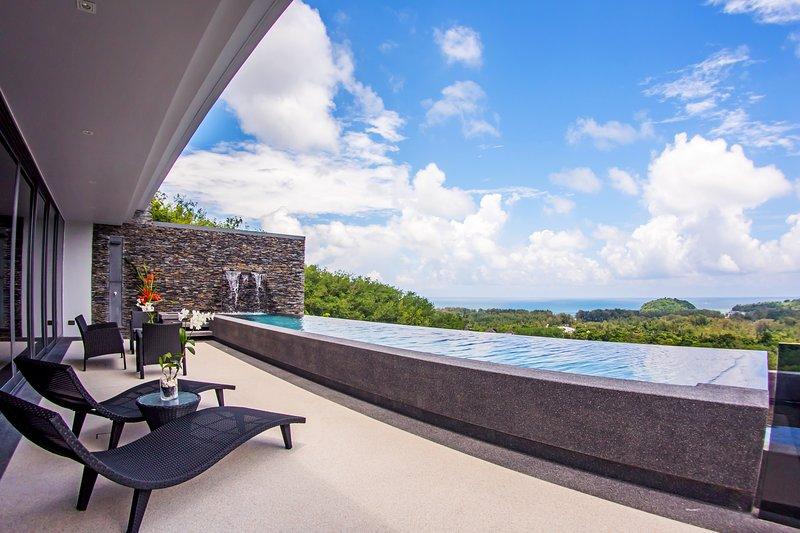 Layan SEA VIEW residences, 3-br, Layan, holiday rental in Thep Krasattri