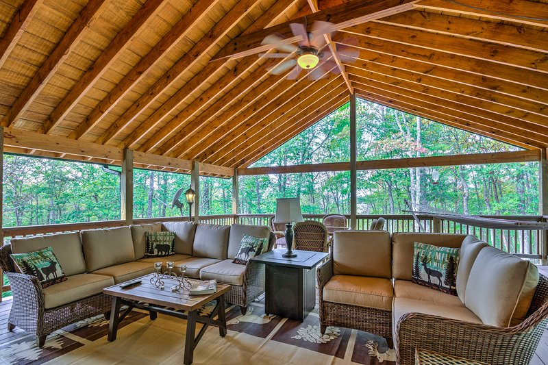 Elevate your next retreat to 4,100 feet at this 2BR, 2BA vacation rental!