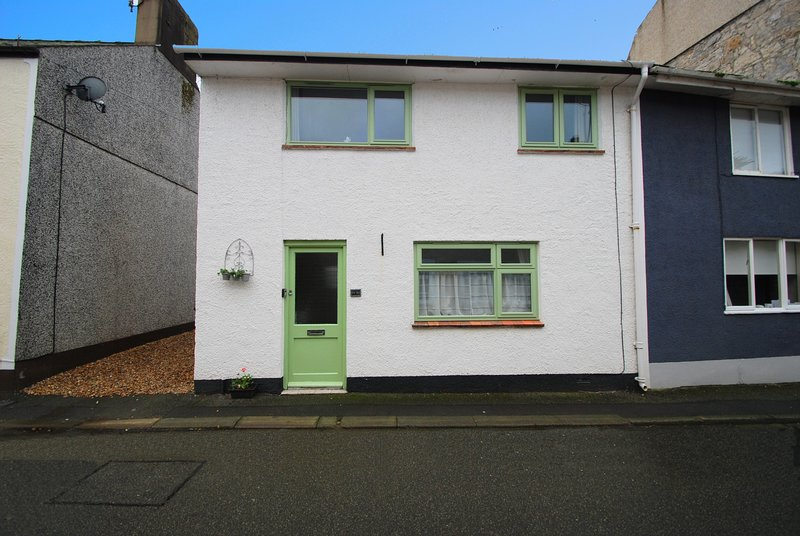Ty Ni Cottage, holiday rental in Beaumaris