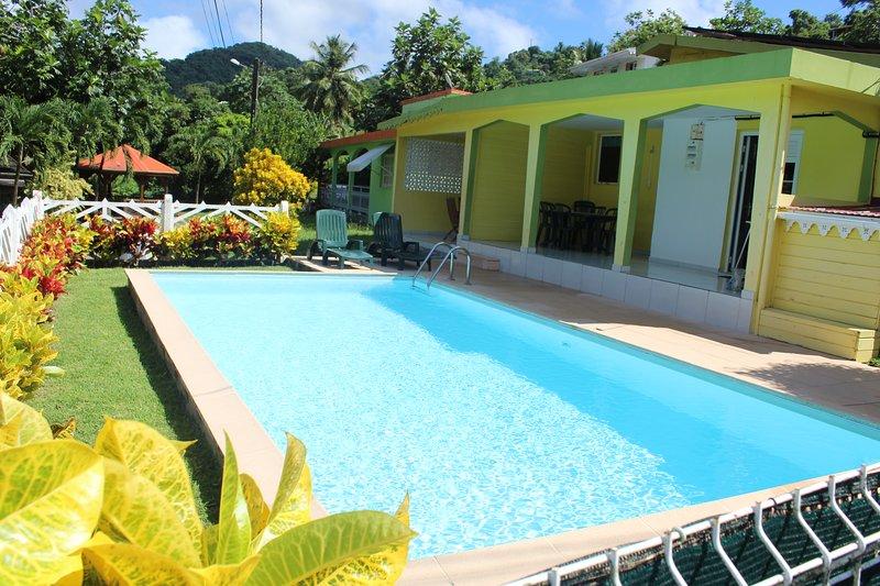 villa F4 avec piscine à 10 minutes des plages et à 3 minutes des commerces, holiday rental in Riviere-Pilote