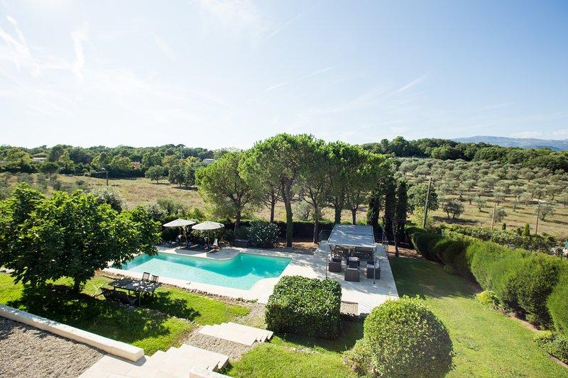 Valbonne Villa Lou Bella - SLEEPS 16 - 6BR - Mougins, Cannes, location de vacances à Valbonne