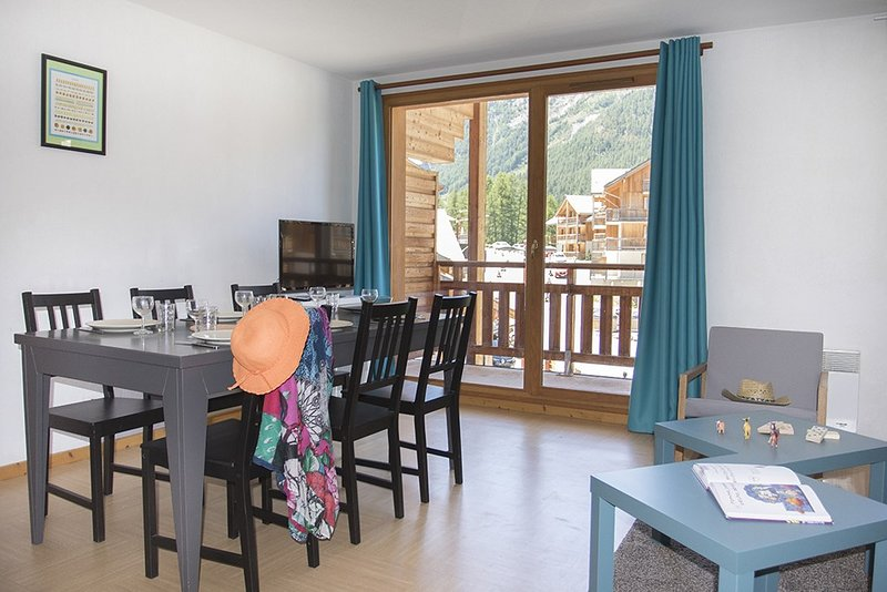 Escape to our bright and stylish apartment in Les Orres.