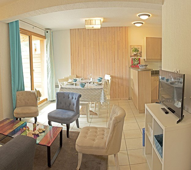 Welcome to our bright and stylish apartment in Les Orres 1800!