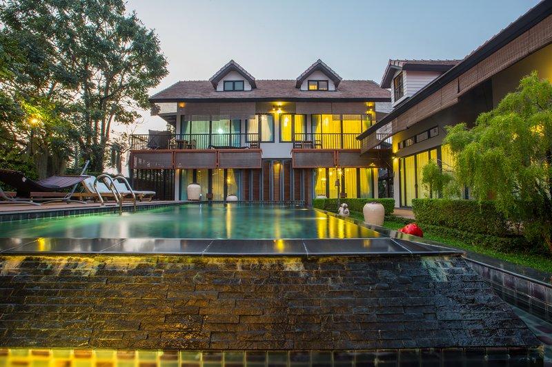 Chiang Mai Pool Villa Tikklinsee, alquiler de vacaciones en Lamphun