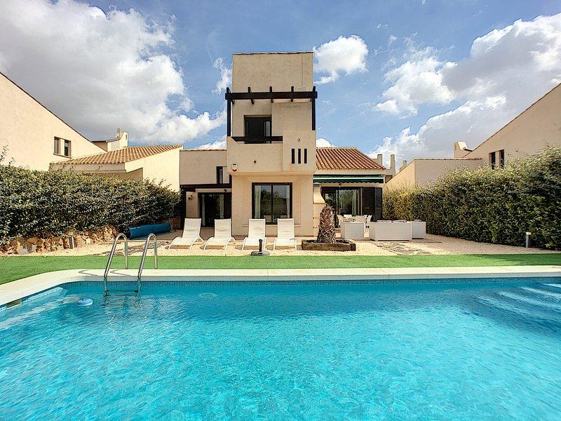 Luxury 4 Bedroom Villa with Private Pool Sleeps 10, vacation rental in Corvera