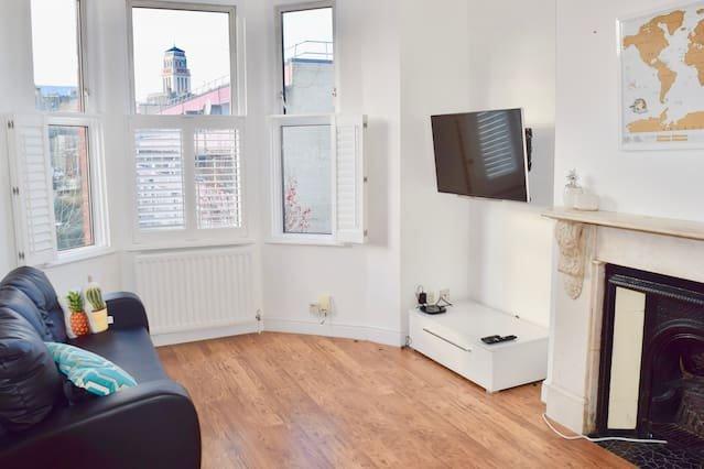 Gorgeous & Chic West Hampstead Apartment (KR39), aluguéis de temporada em Willesden