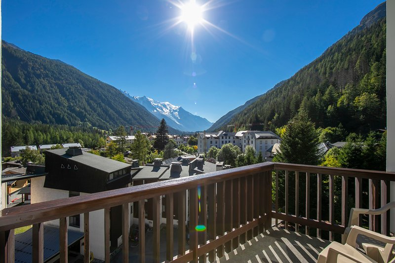 Sunny Balcony with magnificent views of the Mont Blanc