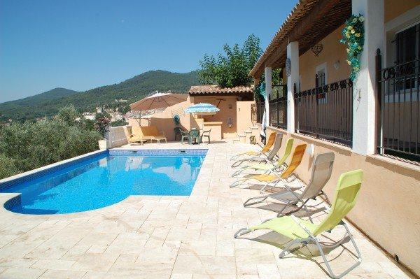 Amazing villa with swimming-pool, casa vacanza a Callas