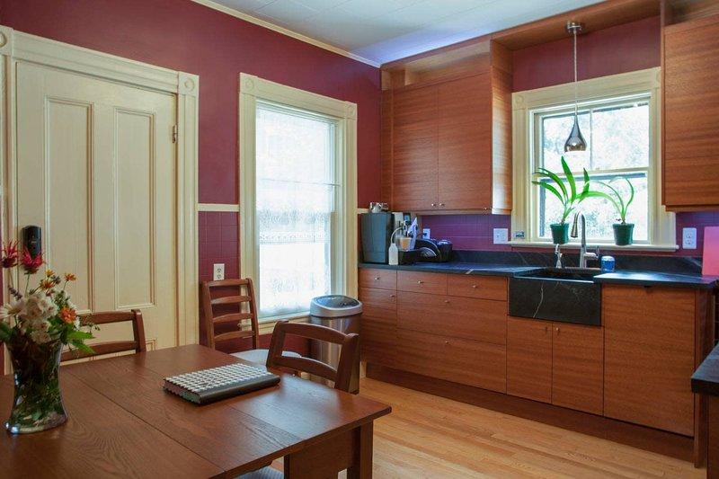 Luxury Harvard/MIT Victorian w/off street parking., alquiler de vacaciones en Arlington
