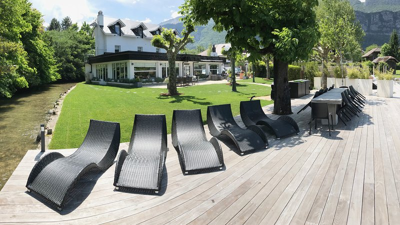 Superb villa for 15 with garden on waterfront of Lake Annecy, France