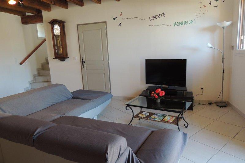 Beautiful property with terrace, aluguéis de temporada em La Motte-en-Champsaur