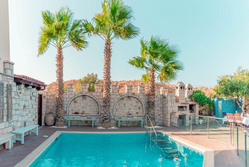 Luxury Villa Karteros, Ferienwohnung in Karteros