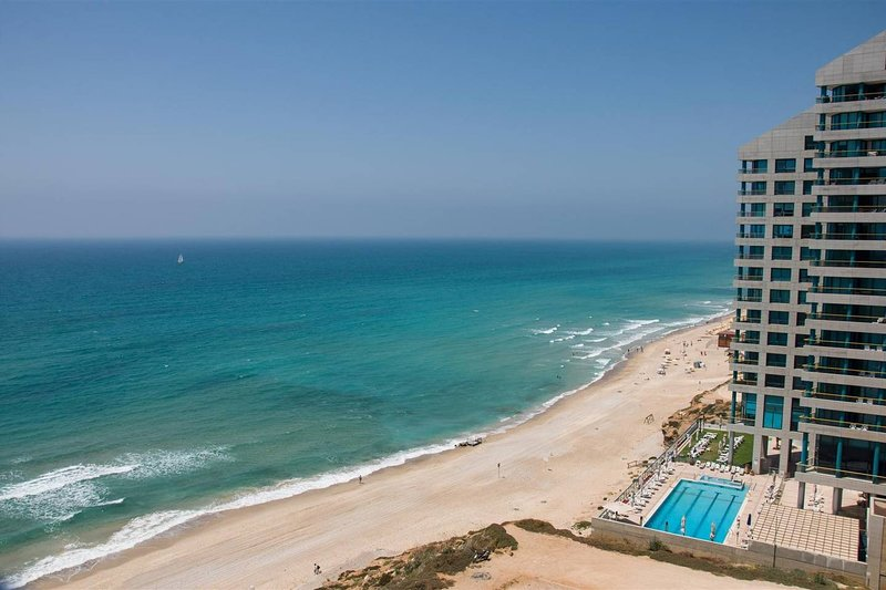 Mediterranean Beach Apartment, holiday rental in Ra'anana