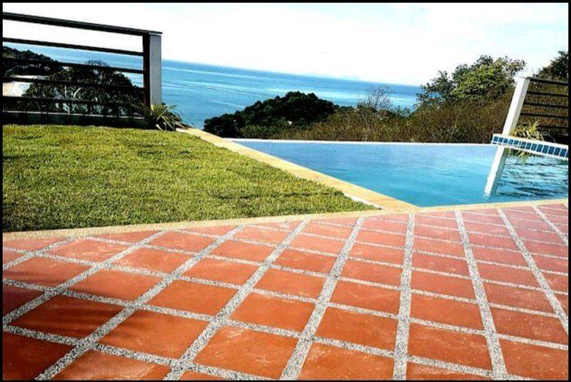 Panoramic Seaview Private Pool Villa, alquiler vacacional en Ko Jum