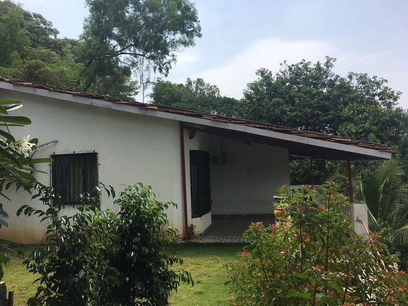 Fully A/C Bungalow near Alibag, Kashid, Revdanda, aluguéis de temporada em Raigad District