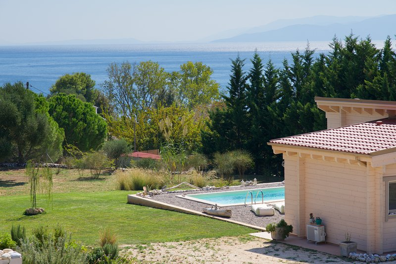 Driftwood Villa - Luxurious Private villa with pool at St Thomas beach Kefalonia, vacation rental in Karavados