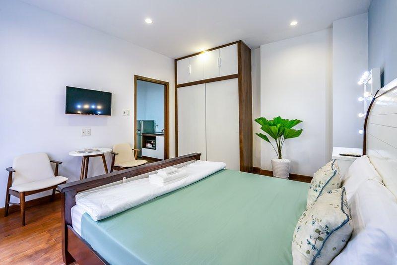Zeta Apartment - Deluxe Double Bedroom with Balcony 2, holiday rental in Thu Dau Mot