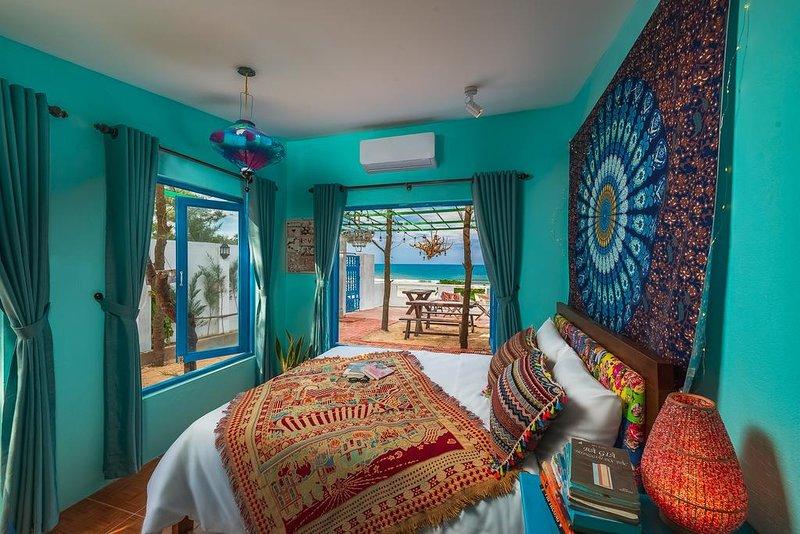 AnnaBo's Beach House - Superior Queen Room with Sea View, casa vacanza a Tam Ky