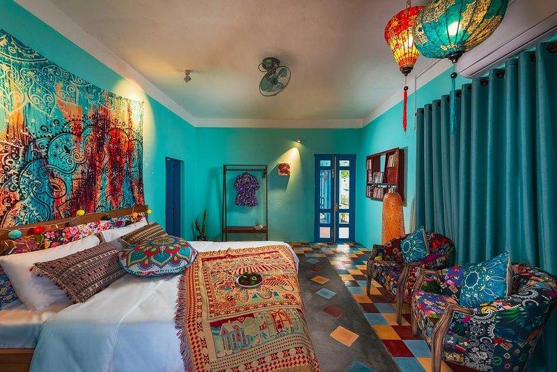 AnnaBo's Beach House - Deluxe Double Room with Patio, location de vacances à Province de Quang Nam