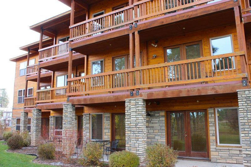 Dog Friendly Condo W Shared Hot Tub Balcony Near Ntl Forests