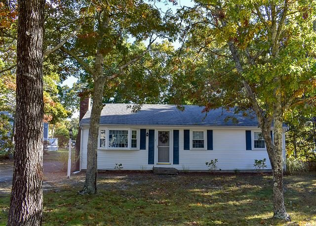 Three bedroom home with central air conditioning, vacation rental in South Dennis