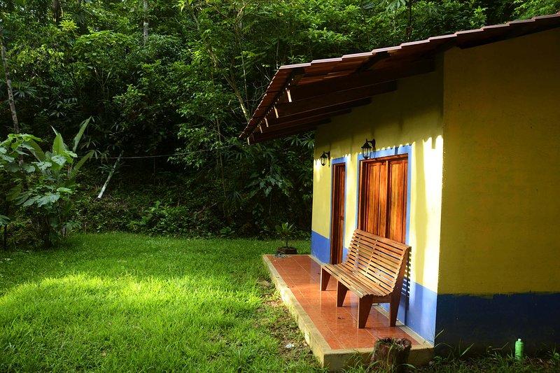 Cabaña en selva y nacimiento de rio. Zona indigena., holiday rental in Las Margaritas