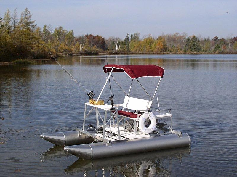 Relaxe no lago com o nosso barco a pedal Aquacycle Pontão. (para alugar apenas) sua diversão incrível !!!