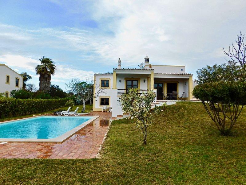 Villa 62, holiday rental in Bensafrim