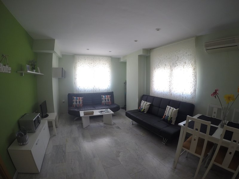 Moderno apartamento con WIFI 3, holiday rental in Pinos Puente