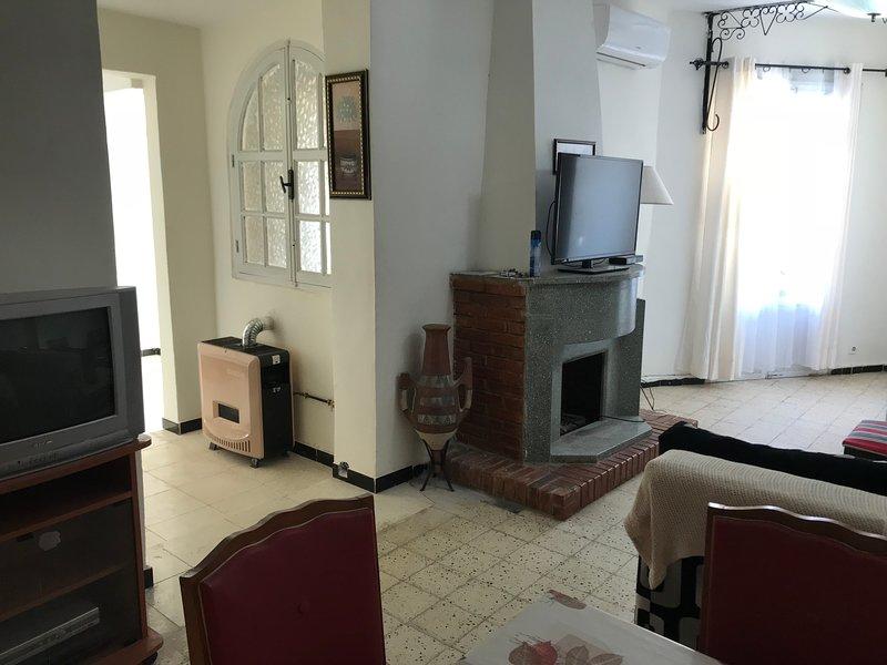 Niveau de villa-Birkhadem - Dar mourad, vacation rental in Alger Centre