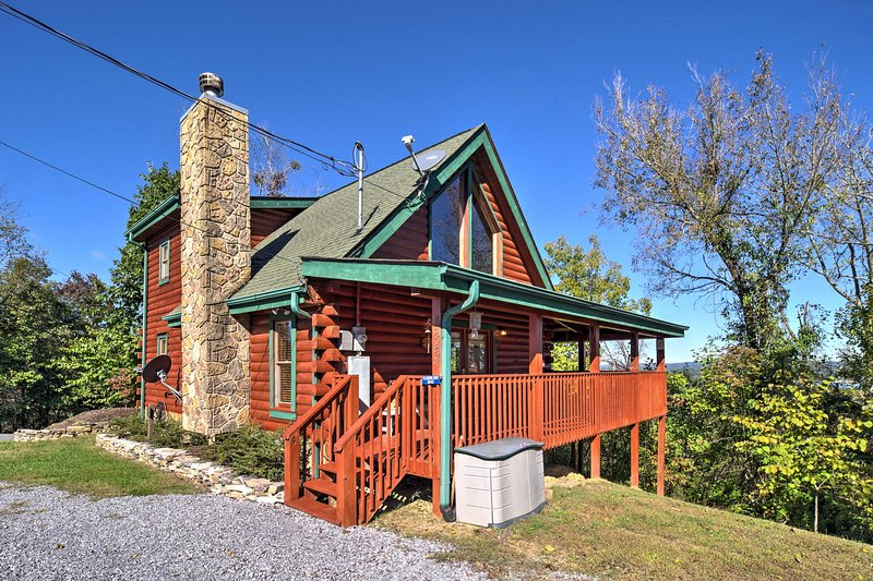 This Sevierville home is minutes from Pigeon Forge and Gatlinburg.