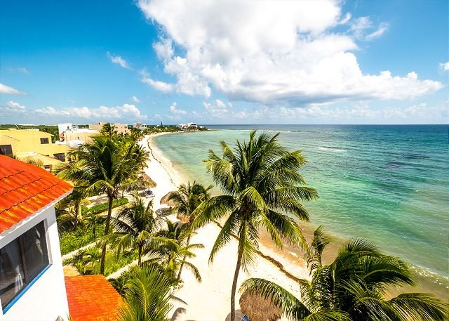 Lovely condo with stunning Ocean View - Beachfront, AC, Wifi, vacation rental in Akumal