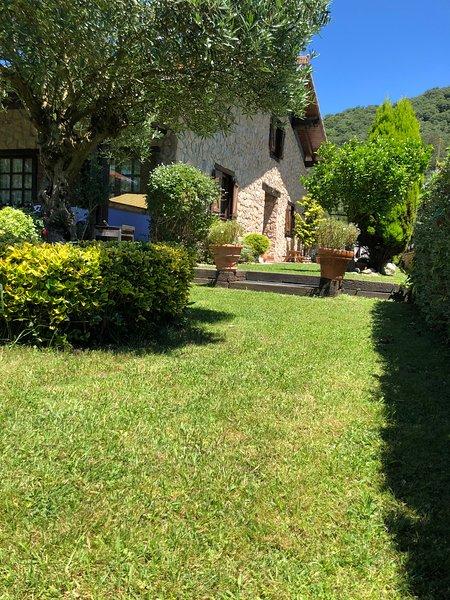 Casa de Campo - La Casita de Avril, vacation rental in Gibaja