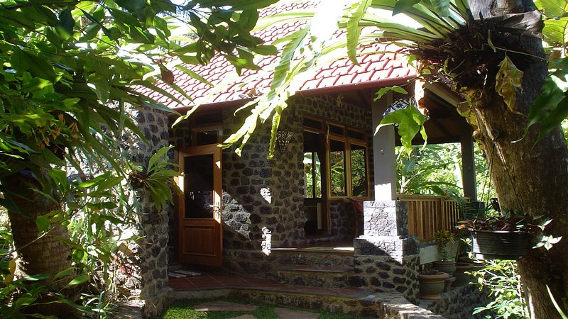 Pondok Manis HomeStay By The River / North Bali Trekking, holiday rental in Munduk
