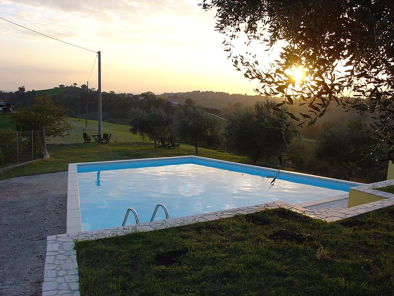 Villa Sabina - New Holiday Apartment with your own Private Pool, location de vacances à Poggiolo