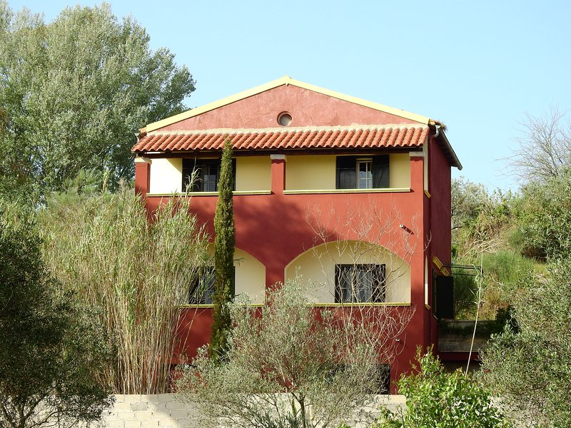 House Ourania in Organic Farm Bioporos, location de vacances à Corfu Town