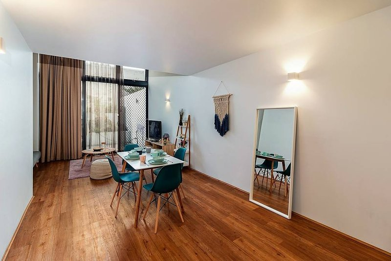 2 BR Loft Apartment Kingsford Near UNSW, vacation rental in Kingsford