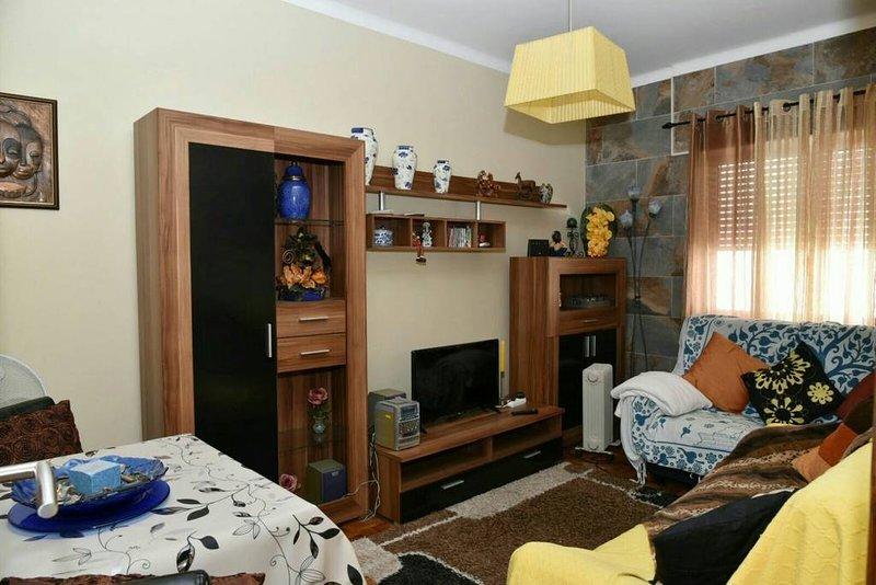 Nice apartment with terrace & Wifi, holiday rental in Vila Real de Santo Antonio